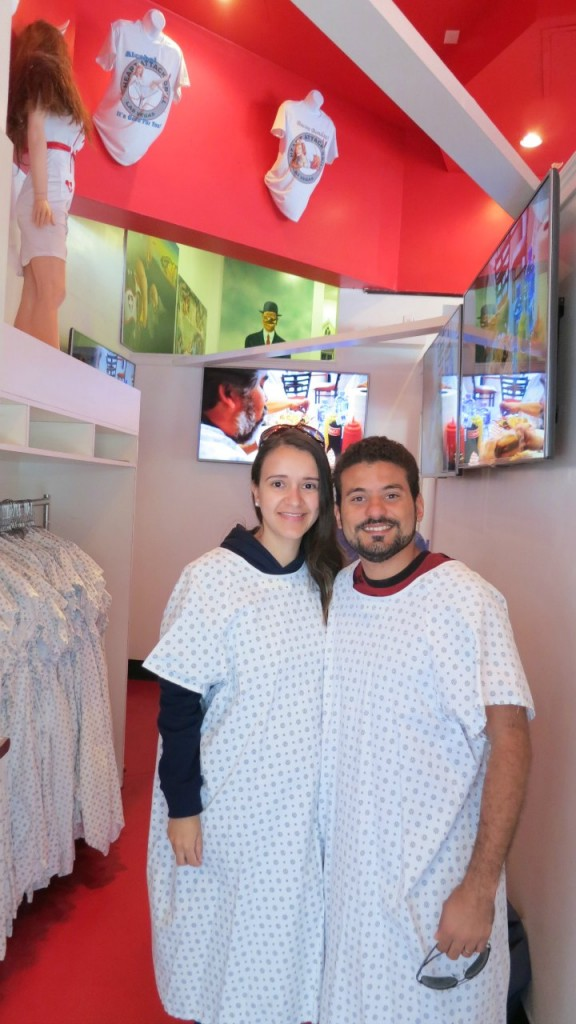 Heart Attack Grill - Roupa de Hospital